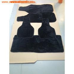 Комплект накидок из меха Черного цвета на весь салон автомобиля